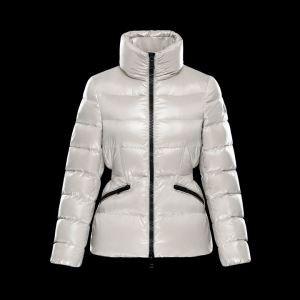 2017秋冬肌触り柔らかくダウンジャケット厳しい寒さに耐える MONCLER モンクレール