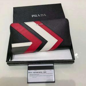 b8a570608d1b メタルロゴ 新作 PRADA 財布 メンズ プラダ Surfシリーズ 長財布 レディース 2ML317_2BQW_F0QJHPRADA レザー 本革  ジップロングウォレット 黒