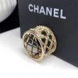 シャネル 指輪 コピー 一見キラリと華奢に感じるアイテム 上質 CHANEL レディース パール ロゴ 着こなし おすすめ 安い