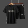 オールシーズンの着こなし術 ヴェルサーチ VERSACE春夏コーデにも取り入れやすい 半袖Tシャツ