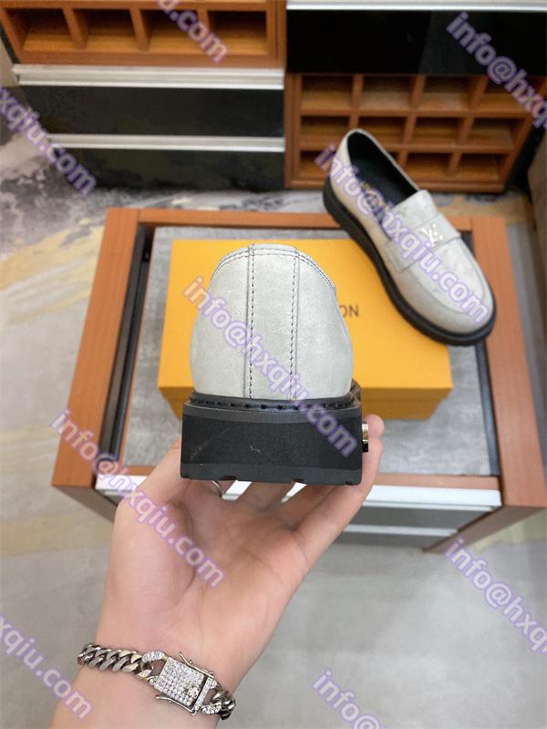 Louis vuitton メンズ 靴 偽物