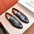 VERSACE ヴェルサーチ  2019年春の新作コレクション ビジネスシューズ カジュアルなスタイル