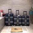 2019年春の新作コレクション  バーバリー BURBERRY  スーツケース  ラグジュアリーな雰囲気