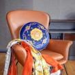 2色可選 永遠の定番アイテム 2019秋冬憧れスタイル ヴェルサーチVERSACE 枕を抱く