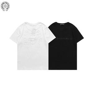 黒白は年中使える万能カラー 存在感抜群なビックロゴがポイント クロム ハーツ 偽物 T-シャツ